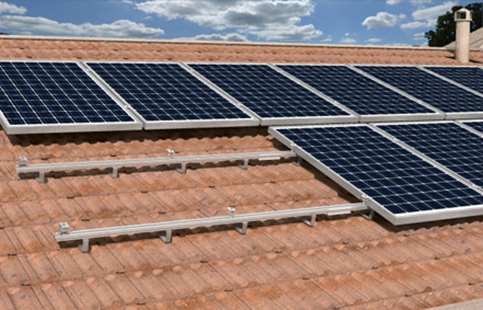 Installazione Solar-Fish su tetto a falda