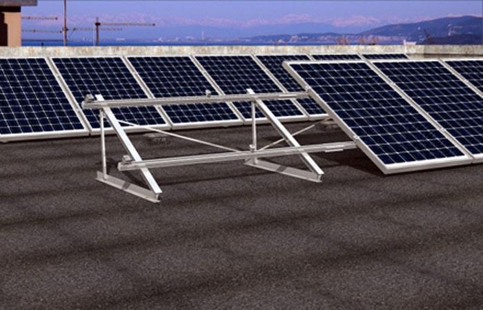 Installazione Solar-Fish su tetto piano
