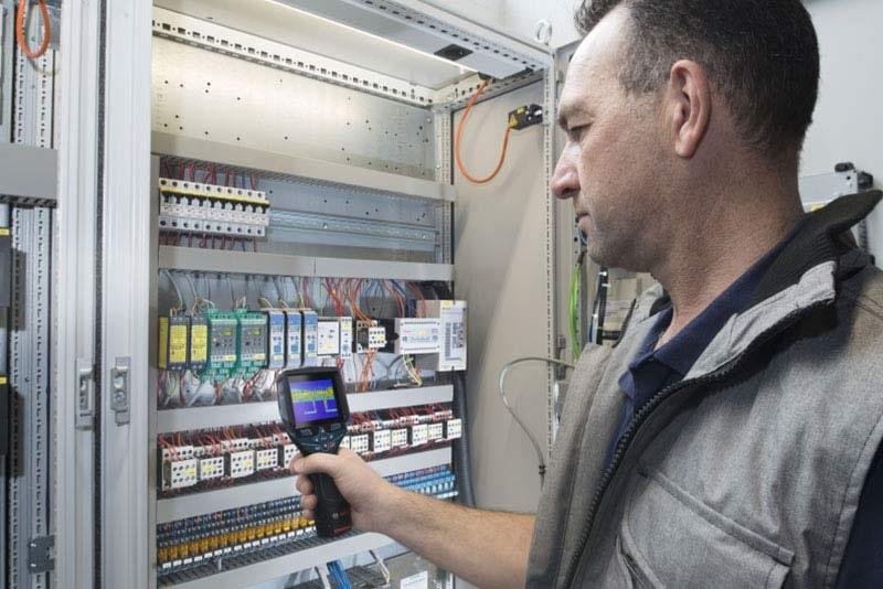 Controllare installazioni elettriche